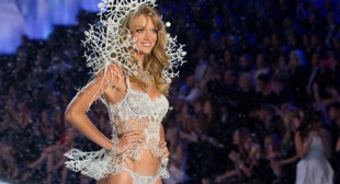 3D-Printed Angel Wings at Victoria's Secret Fashion Show